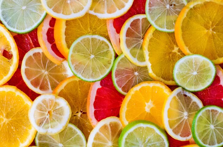 Frutas ricas em vitamina C para o combate a celulite